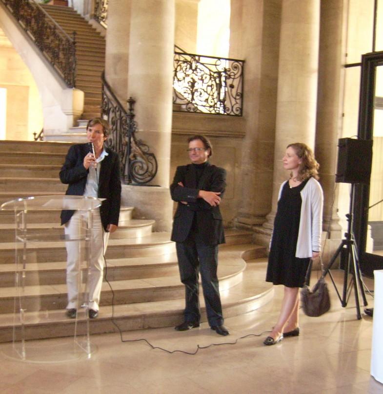 Valérie FOURNEYRON et Laurence TISON lors du vernissage